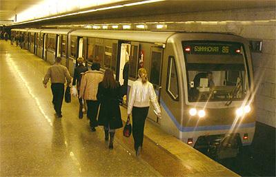 В столичном метро пока-что не будет бесплатного интернета